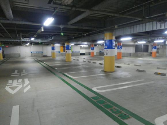 スカイ ビル 駐 車場